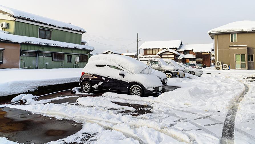 ハイエースとキャラバンの悪路・雪道走破性の違い