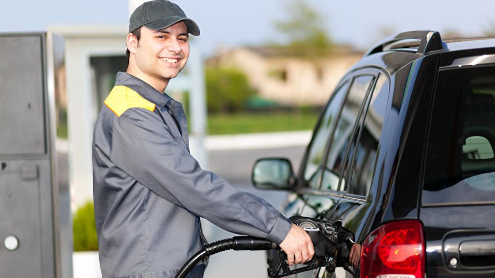ハイエースのガソリンとディーゼルはどっちが売りやすい?