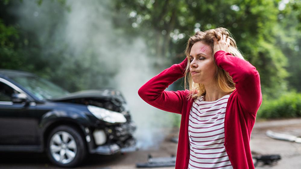 事故車は車買取時にばれる?事故車の定義や査定時に隠していた場合の罰則は?